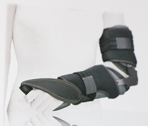 attelle immobilisation coude et poignet